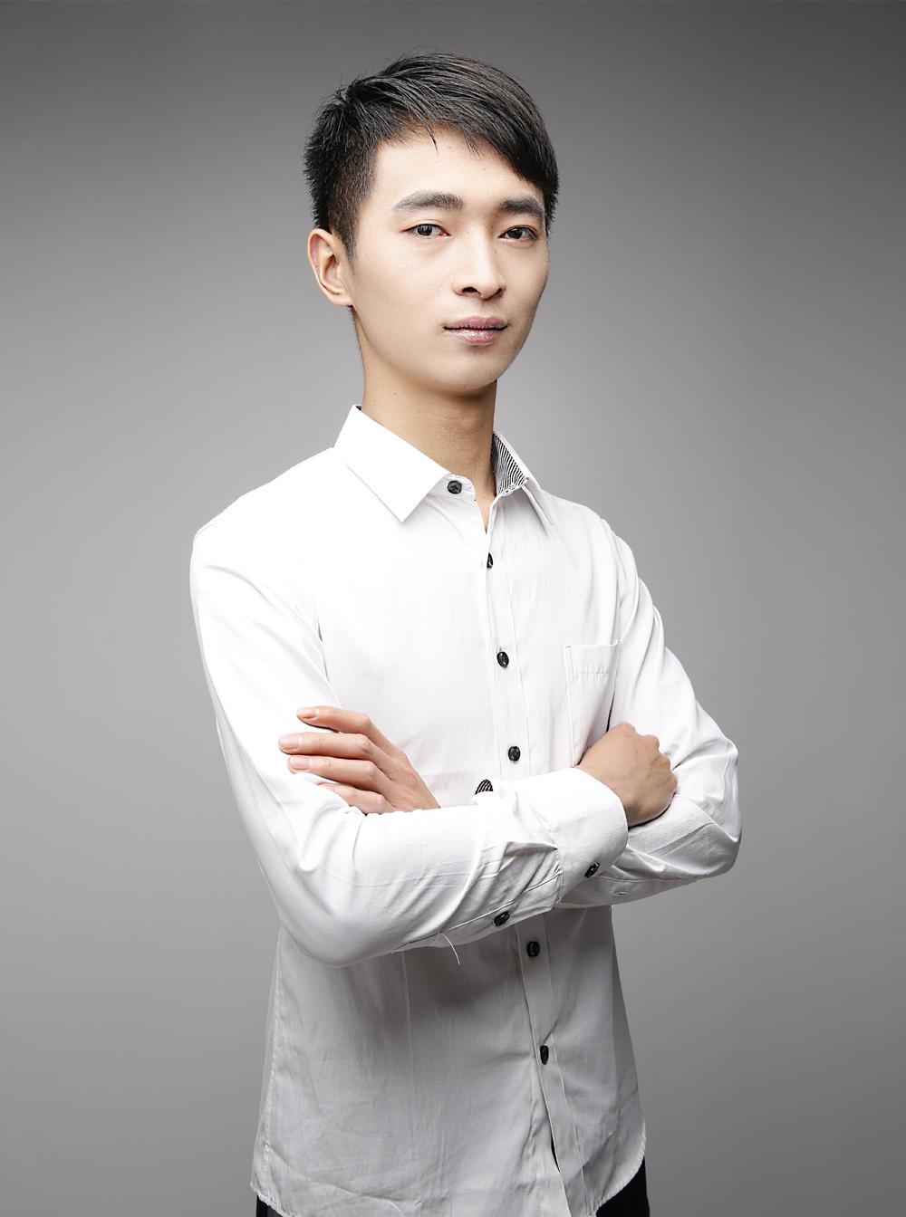 张冬伟(工艺老师)